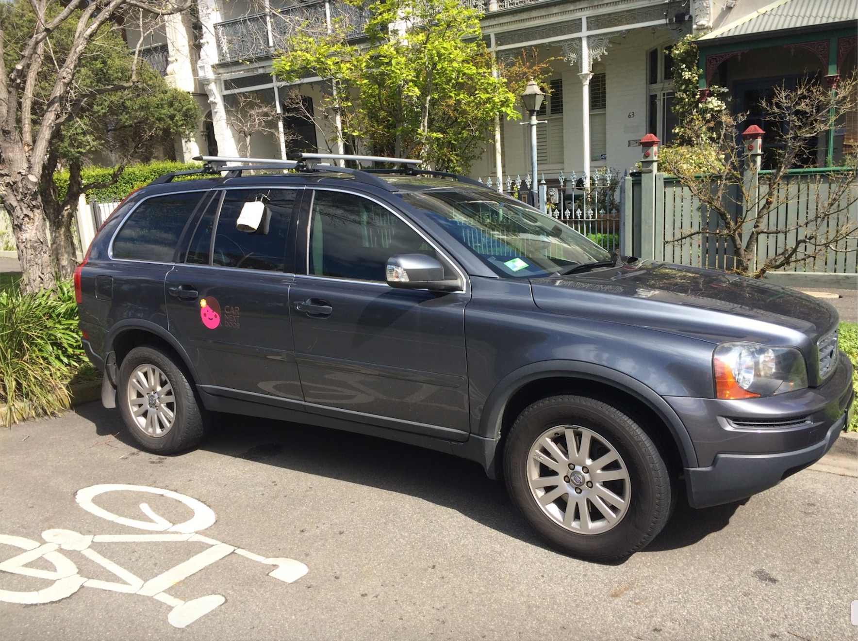 Picture of Laura's 2008 Volvo XC90