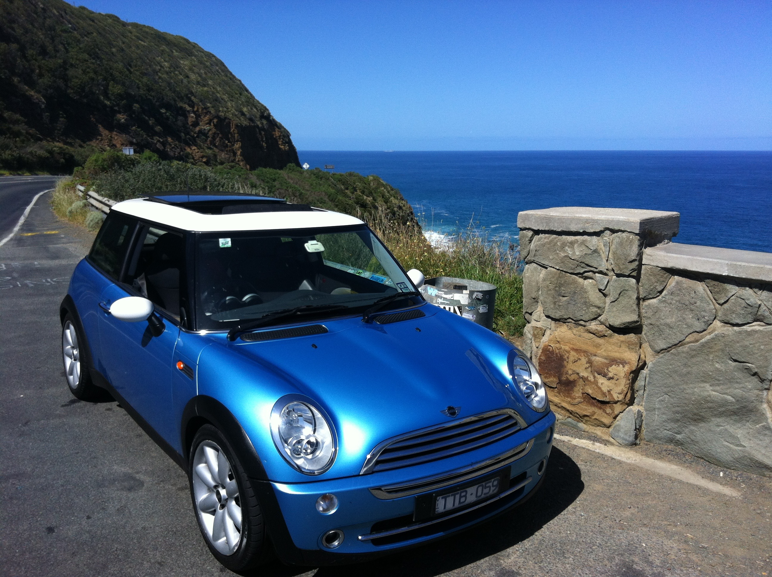 Picture of Douglas' 2005 Mini Cooper