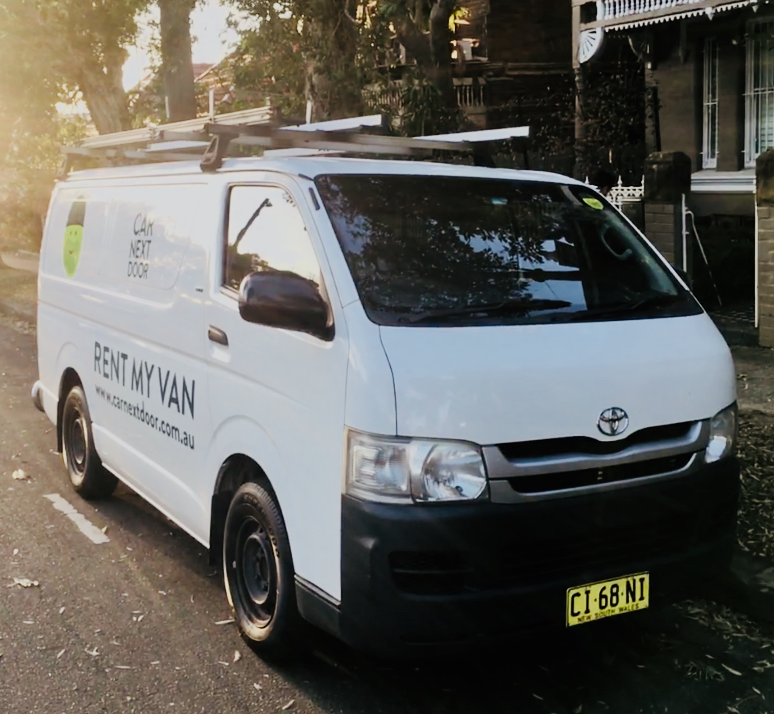 Picture of Jonathan's 2007 Toyota Hiace Long Wheelbase