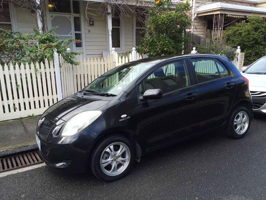 Picture of Holly's 2006 Toyota Yaris