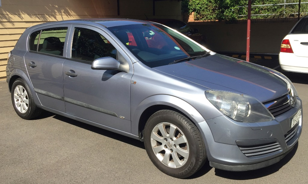 Picture of Lubomir's 2005 Holden AH Astra Sedan