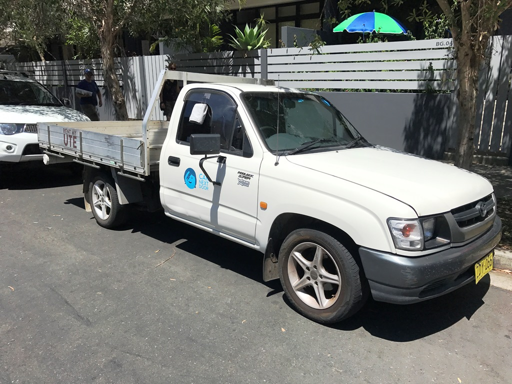 Picture of Van's 2004 Toyota Hilux