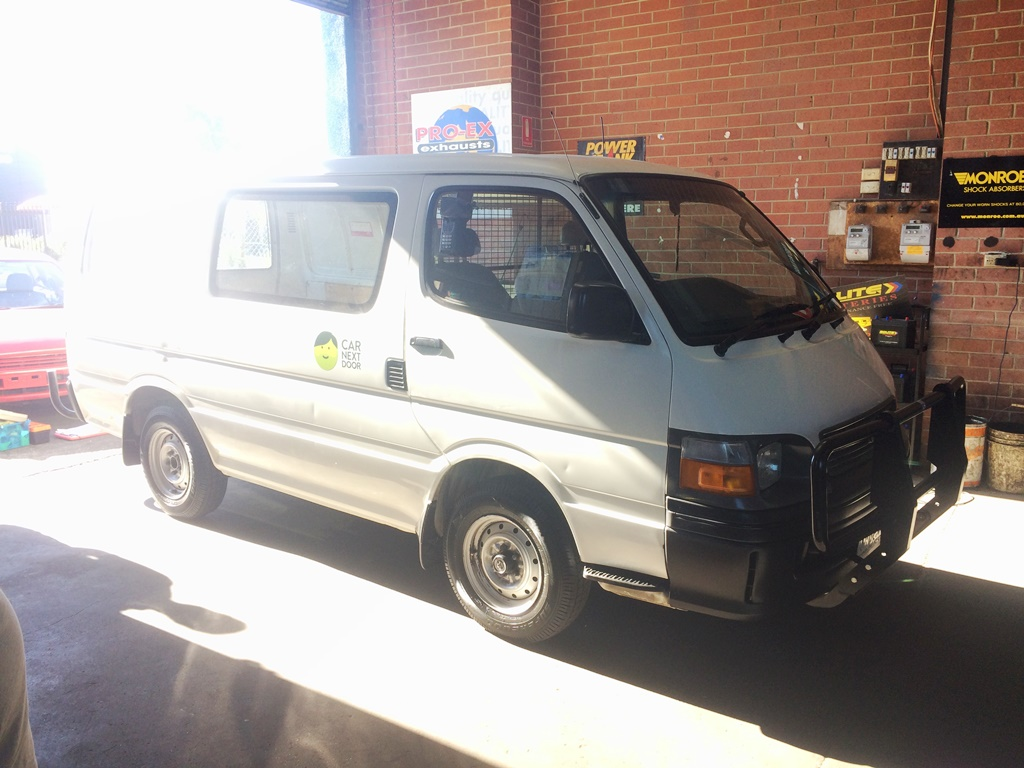 Picture of Khiem's 2000 Toyota Hiace
