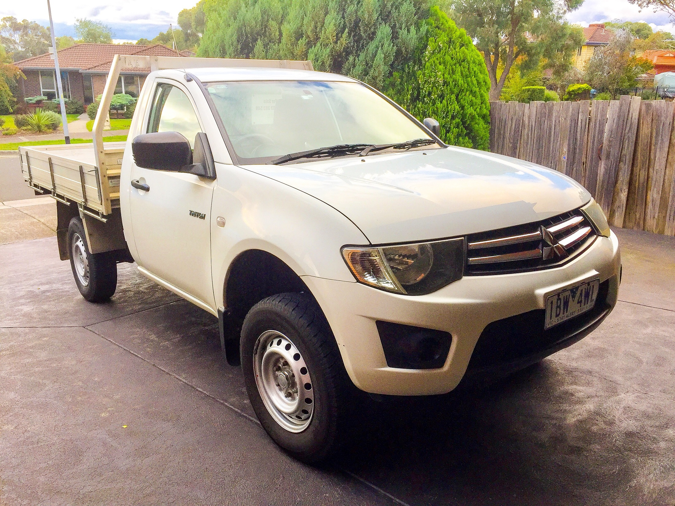 Picture of Robert's 2011 Mitsubishi Triton