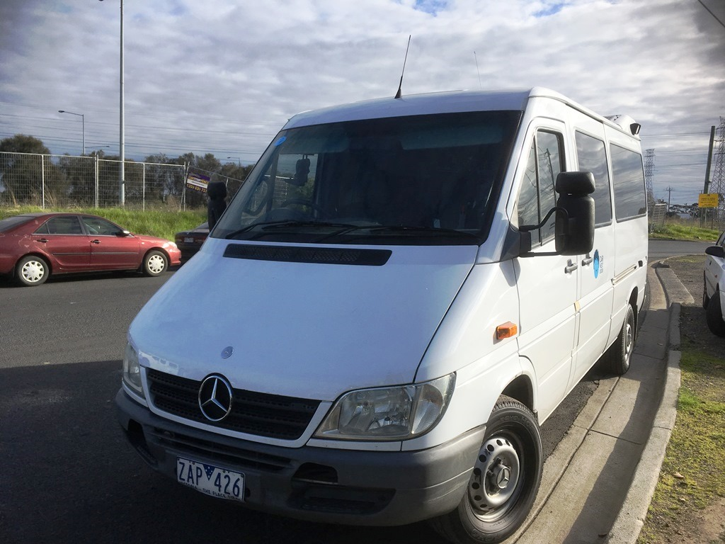 Picture of Le's 2004 Mercedes-Benz Sprinter