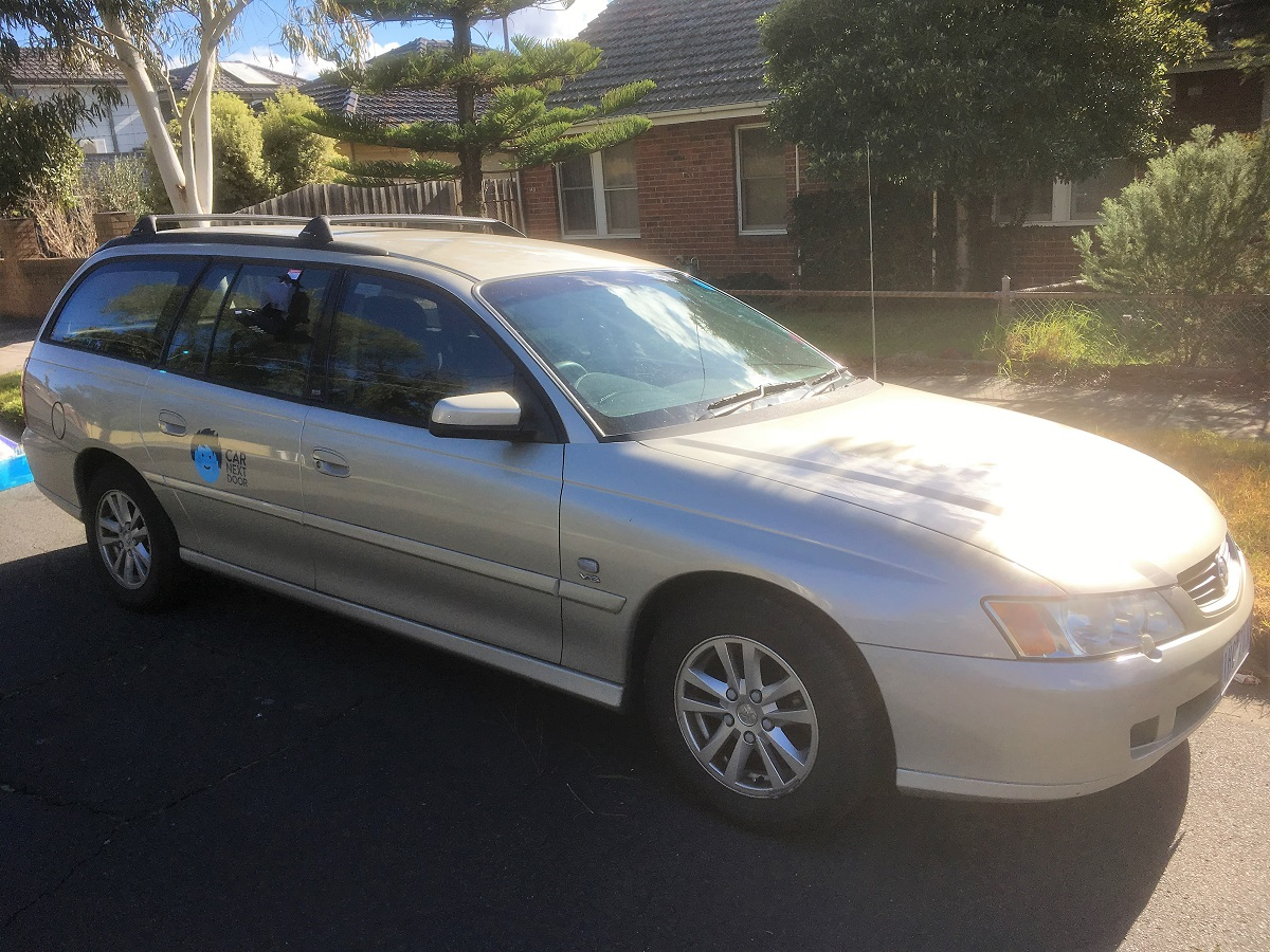 Picture of Thomas' 2004 Holden Commodore