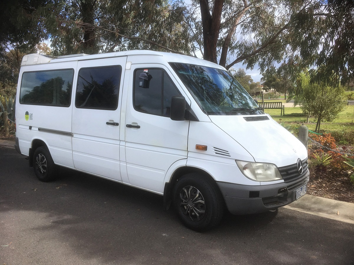 Picture of Le's 2002 Mercedes-Benz Sprinter