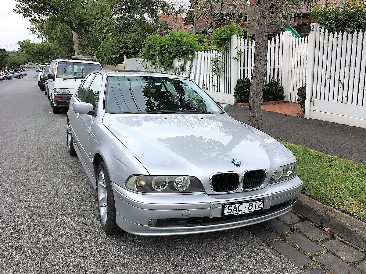 Picture of Amanda's 2003 BMW 525i Sedan