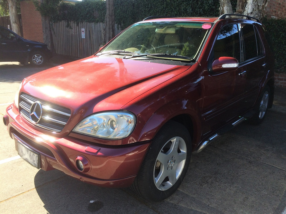 Picture of Gary's 2002 Mercedes-Benz ML500  7 Seater