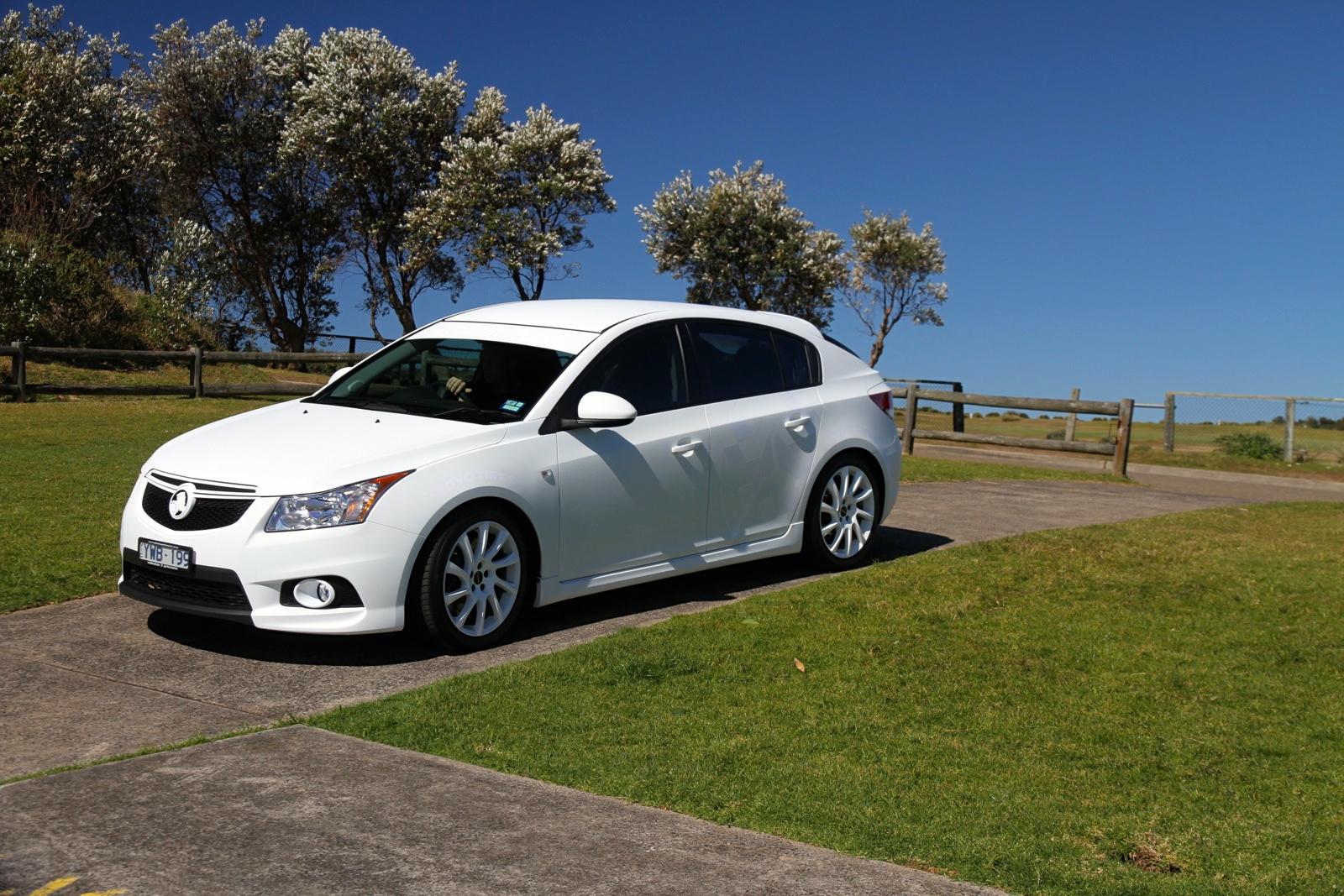 Picture of CarNextDoor's 2012 Holden Cruze