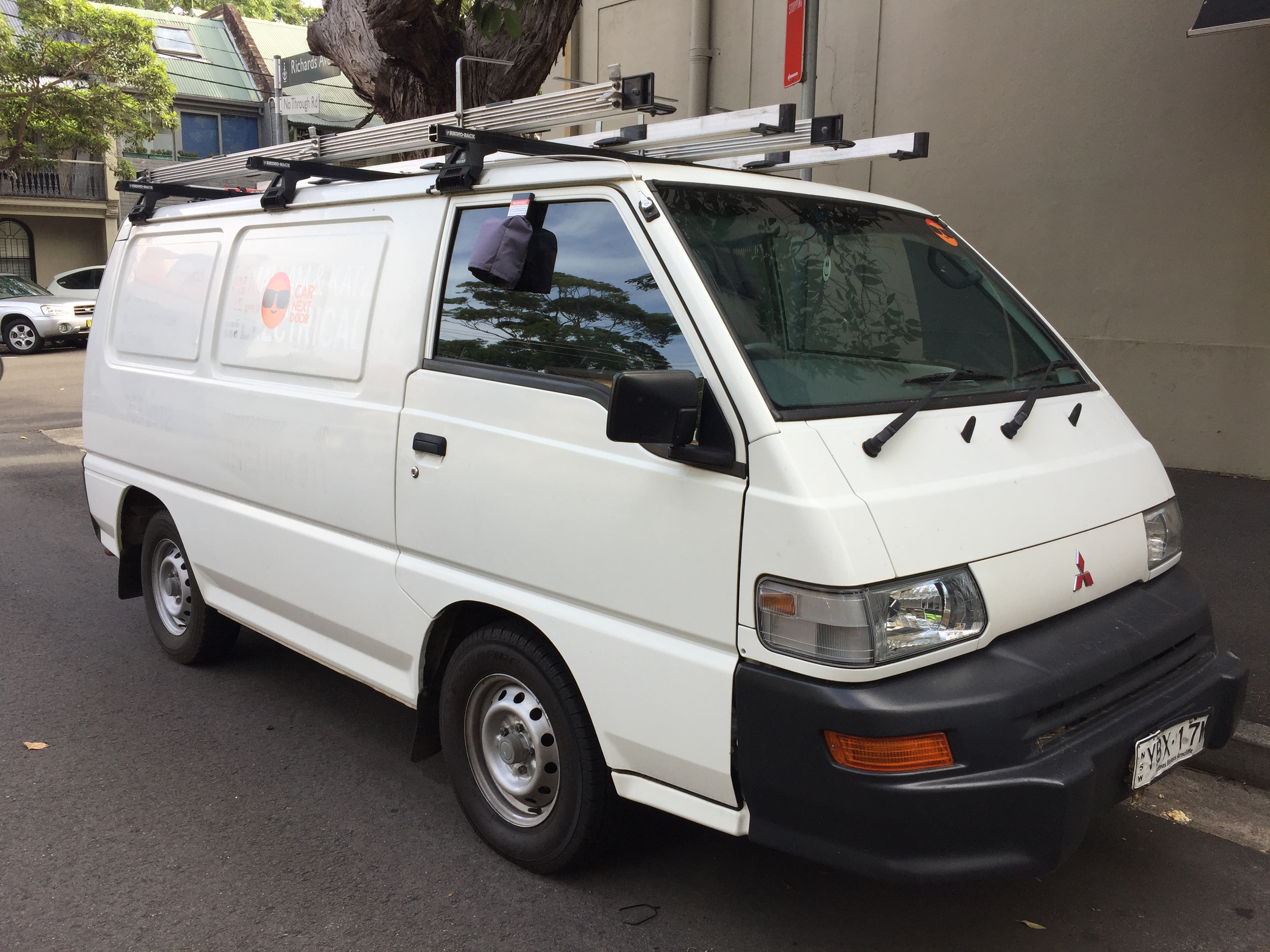 Picture of Sam's 2013 Mitsubishi Express