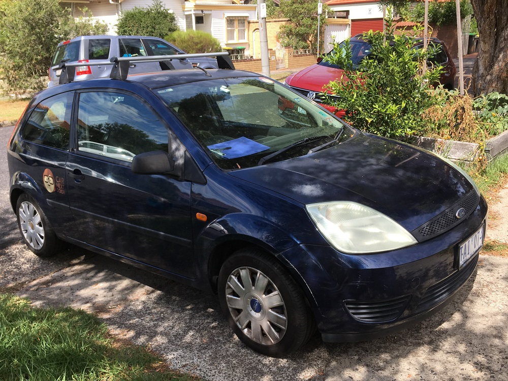 Picture of Helen's 2004 Ford Fiesta