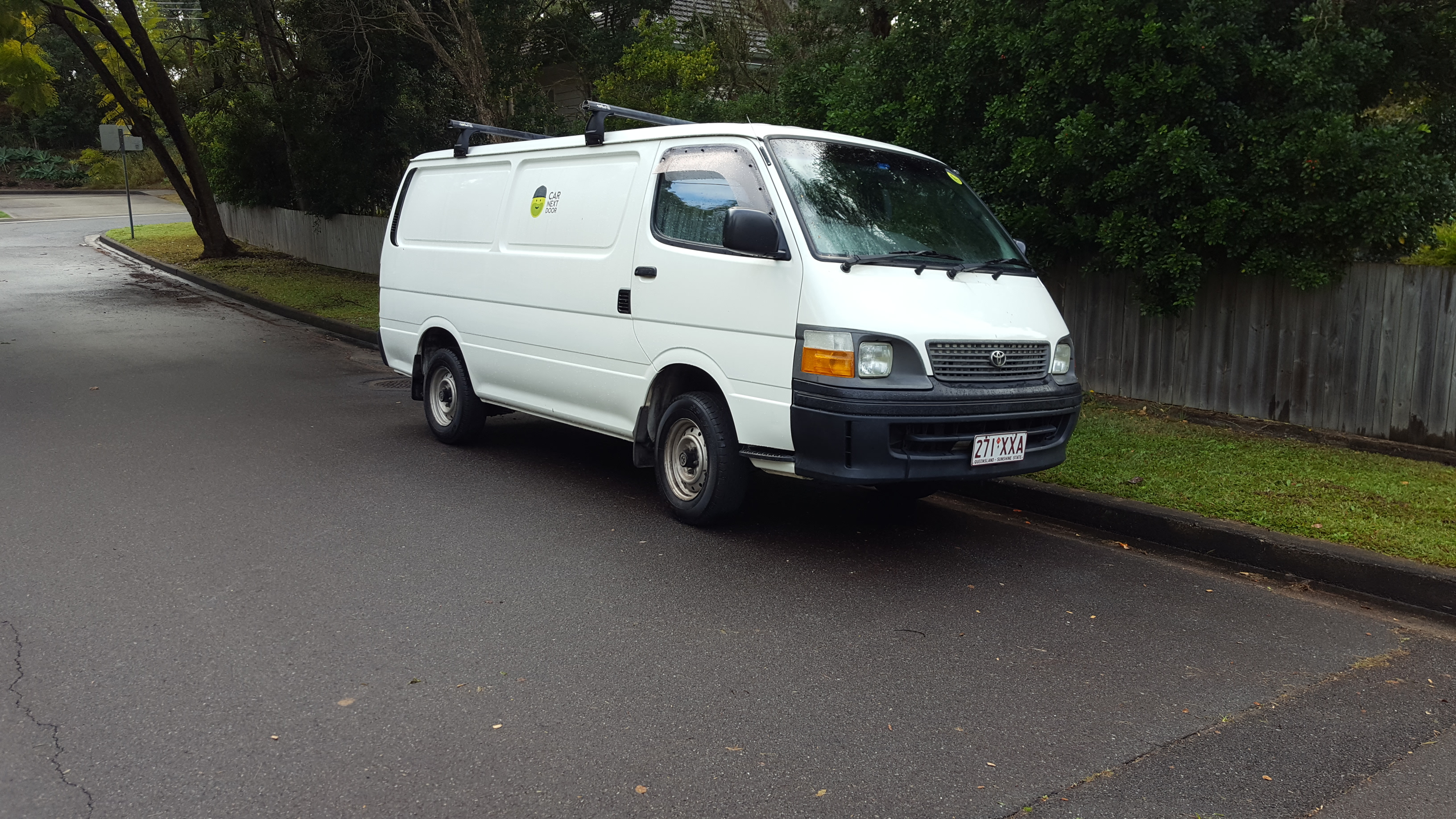 Picture of Julian's 2003 Toyota Hiace