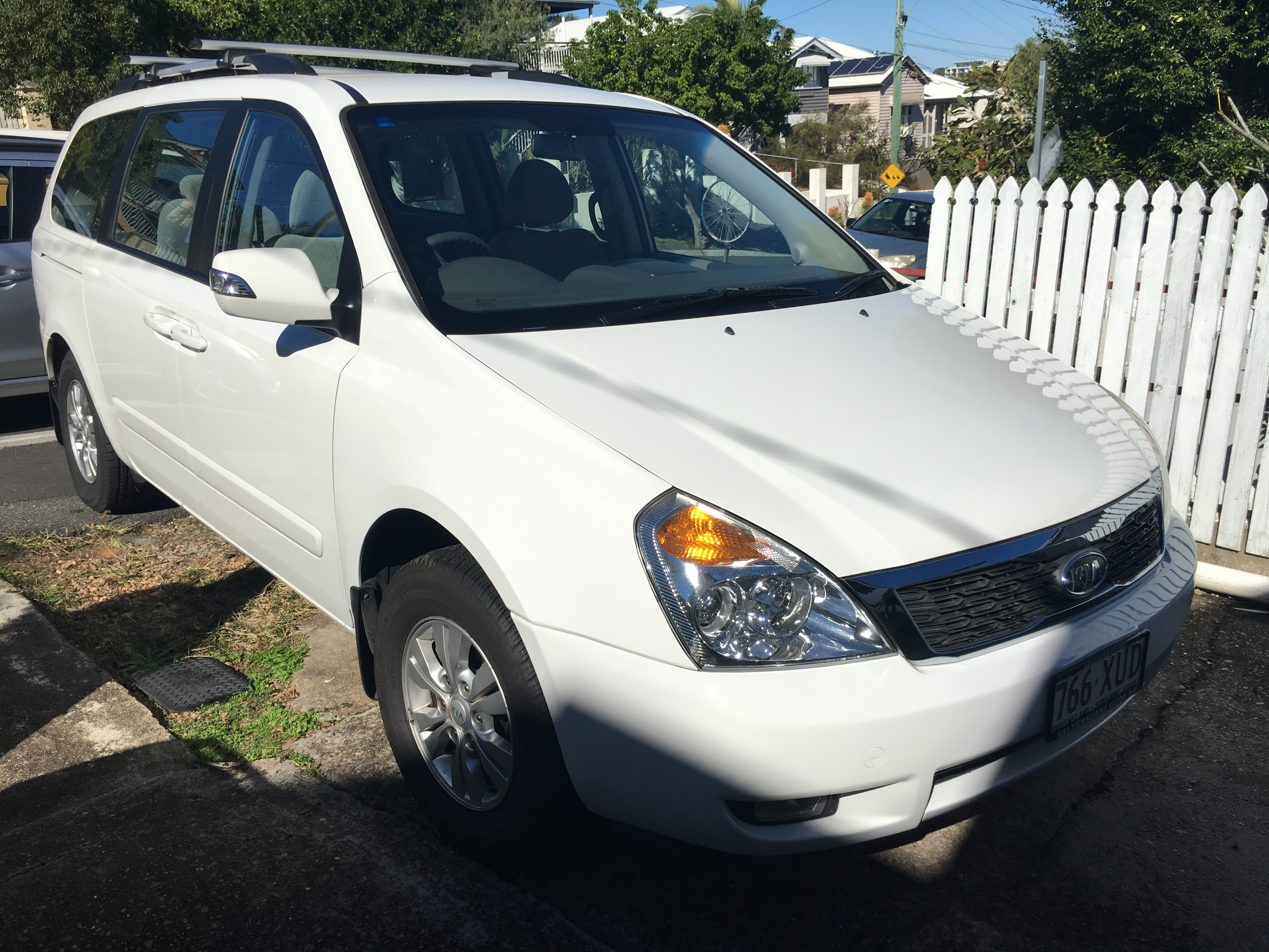 Picture of Leigh-Anne's 2012 Kia Grand Carnival