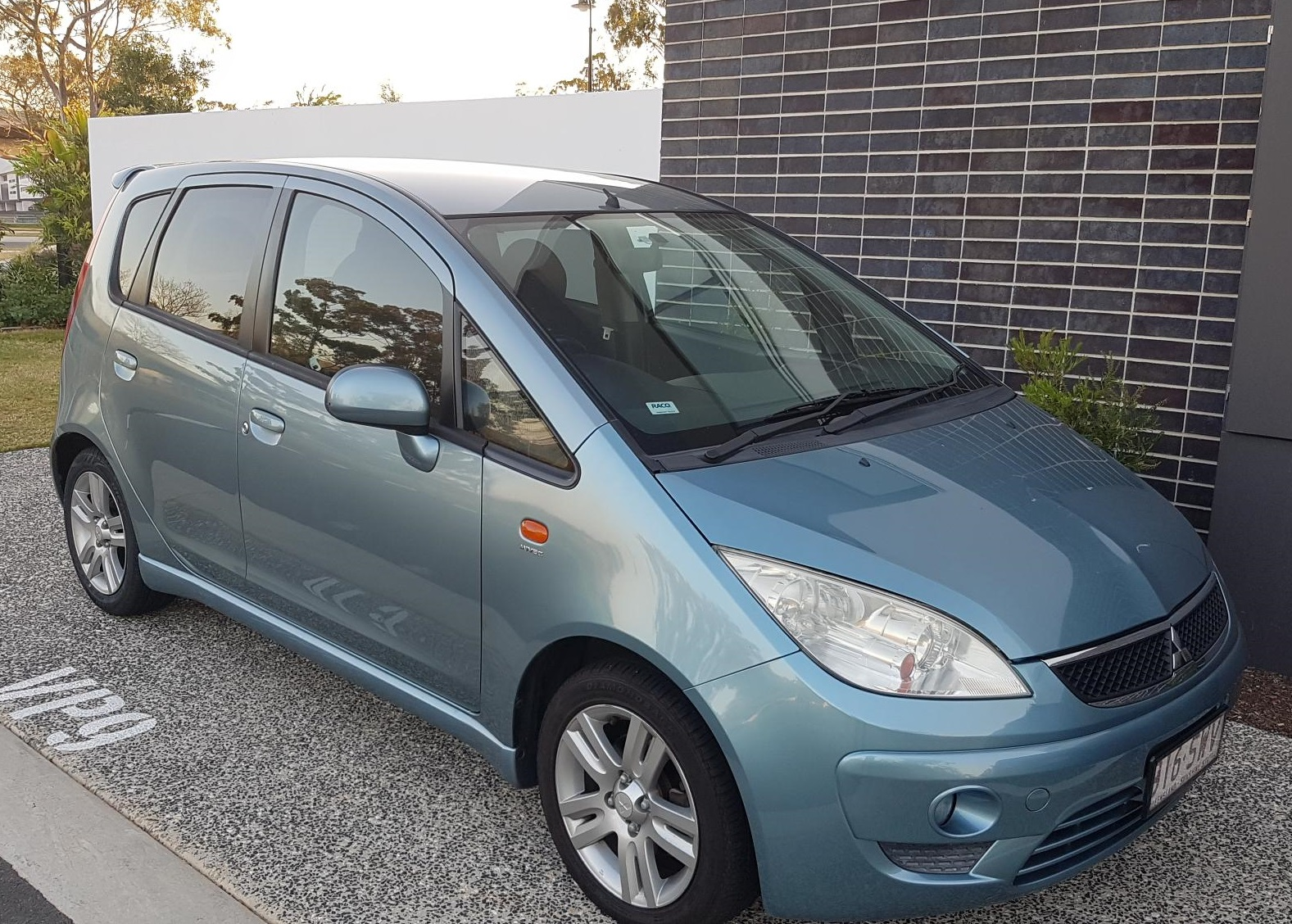 Picture of William's 2009 Mitsubishi Colt