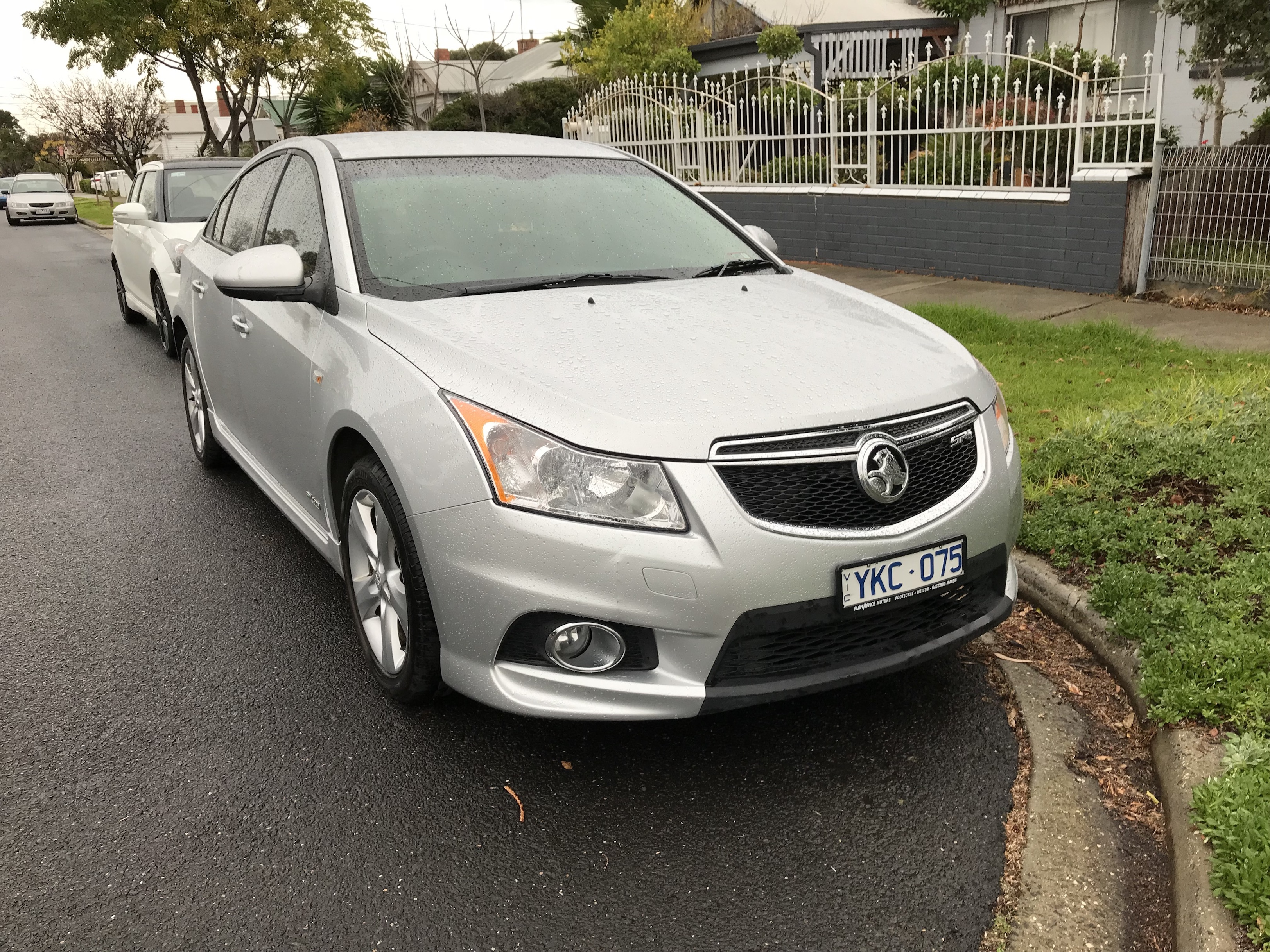 Picture of Hanitha's 2011 Holden Cruze Sriv