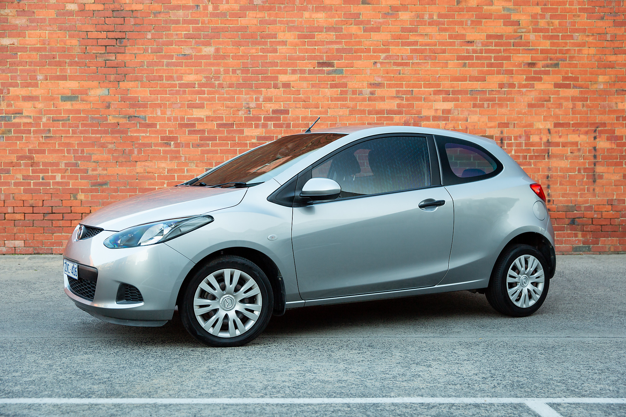 Picture of Lee's 2009 Mazda 2