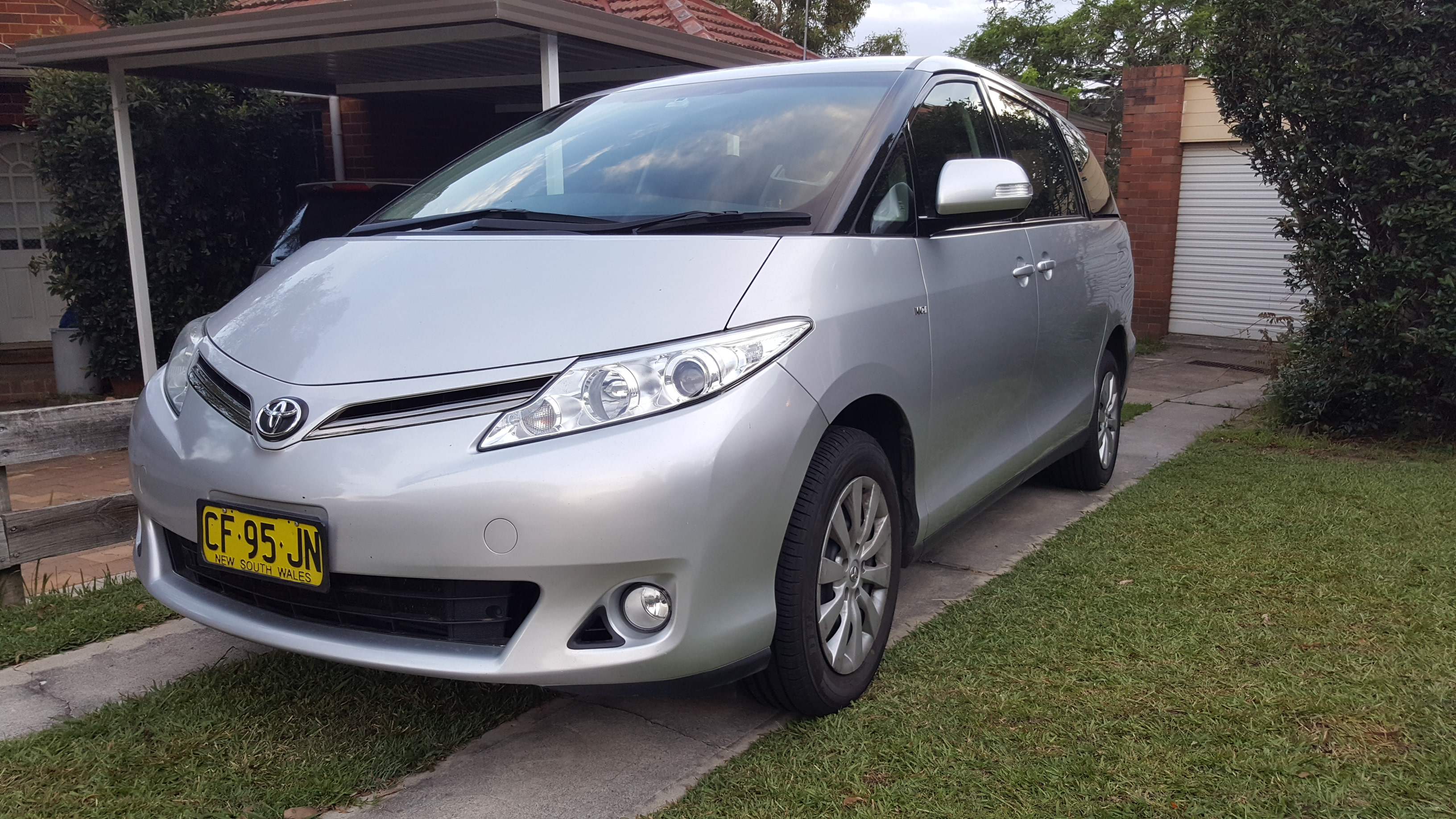 Picture of Albert's 2015 Toyota Tarago