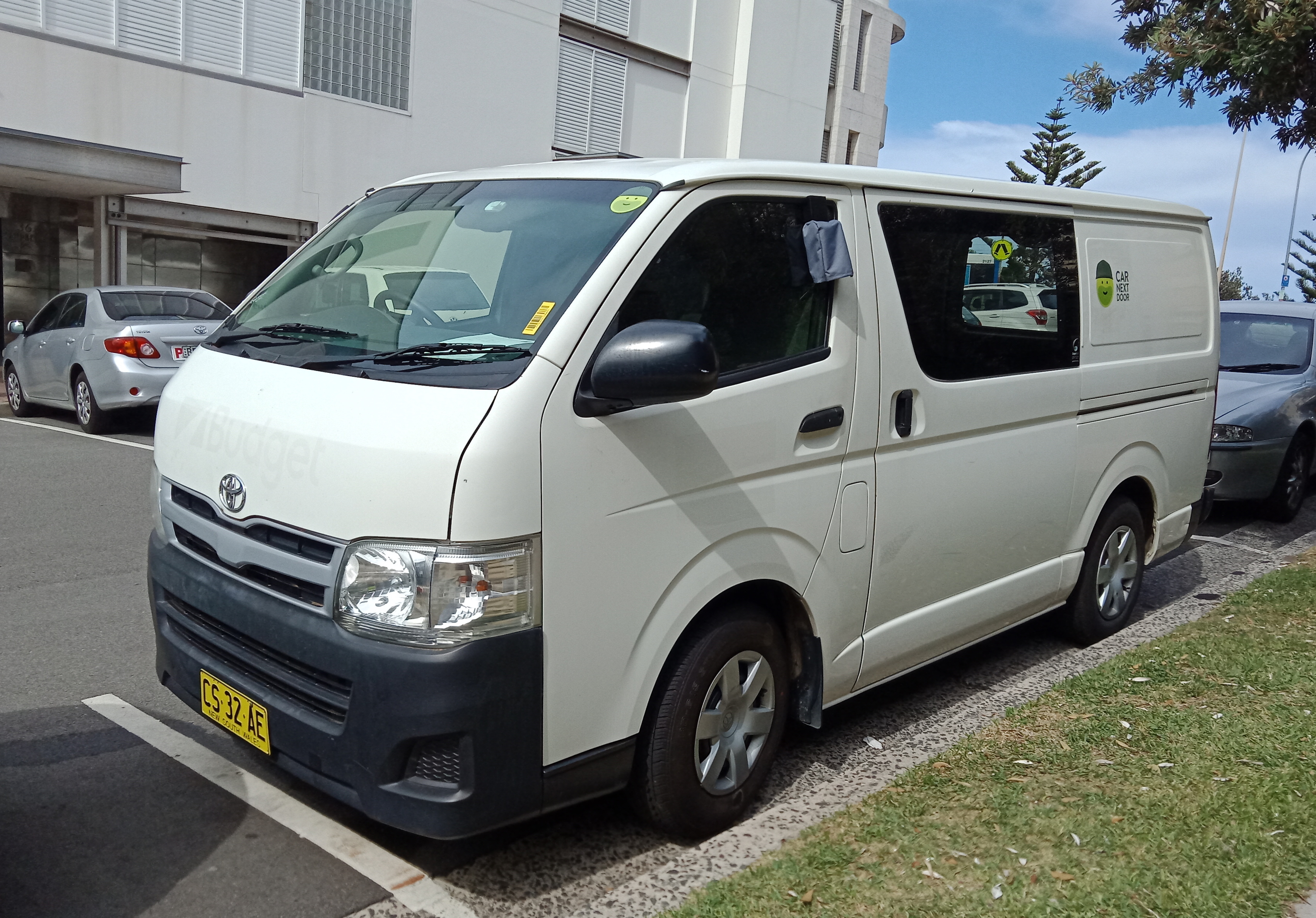 Picture of Charlie's 2013 Toyota Hiace