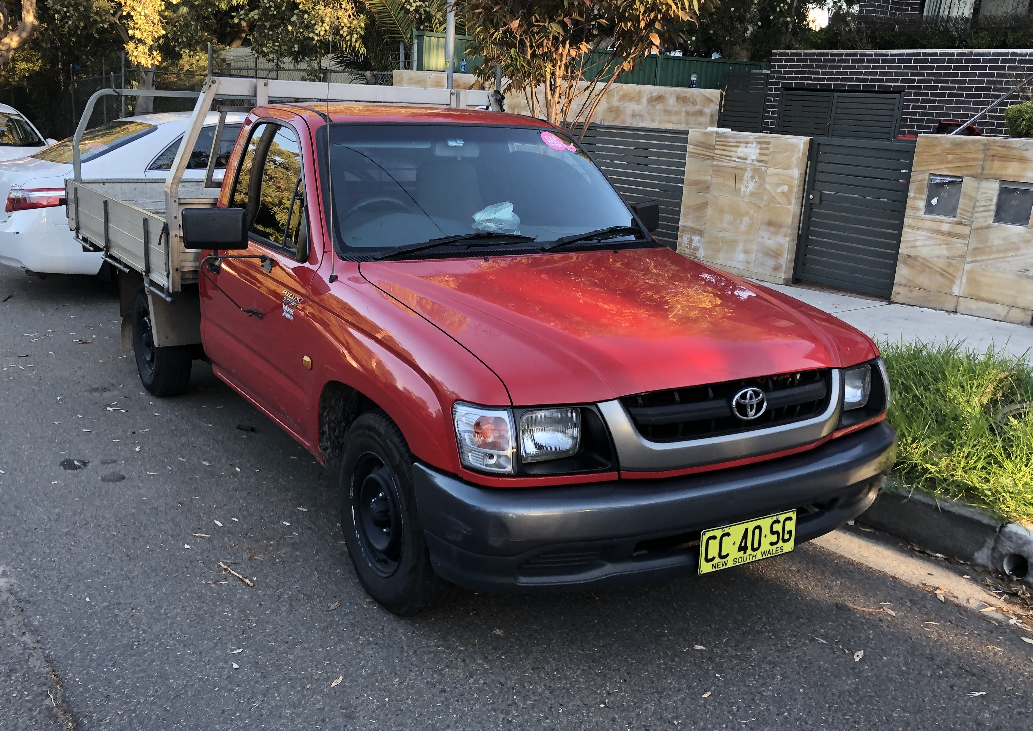 Picture of Tung's 2003 Toyota HiLux