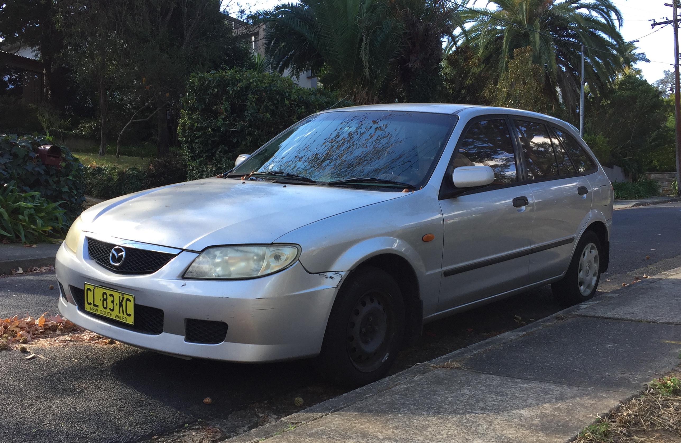 Picture of Sasa's 2002 Mazda Astina