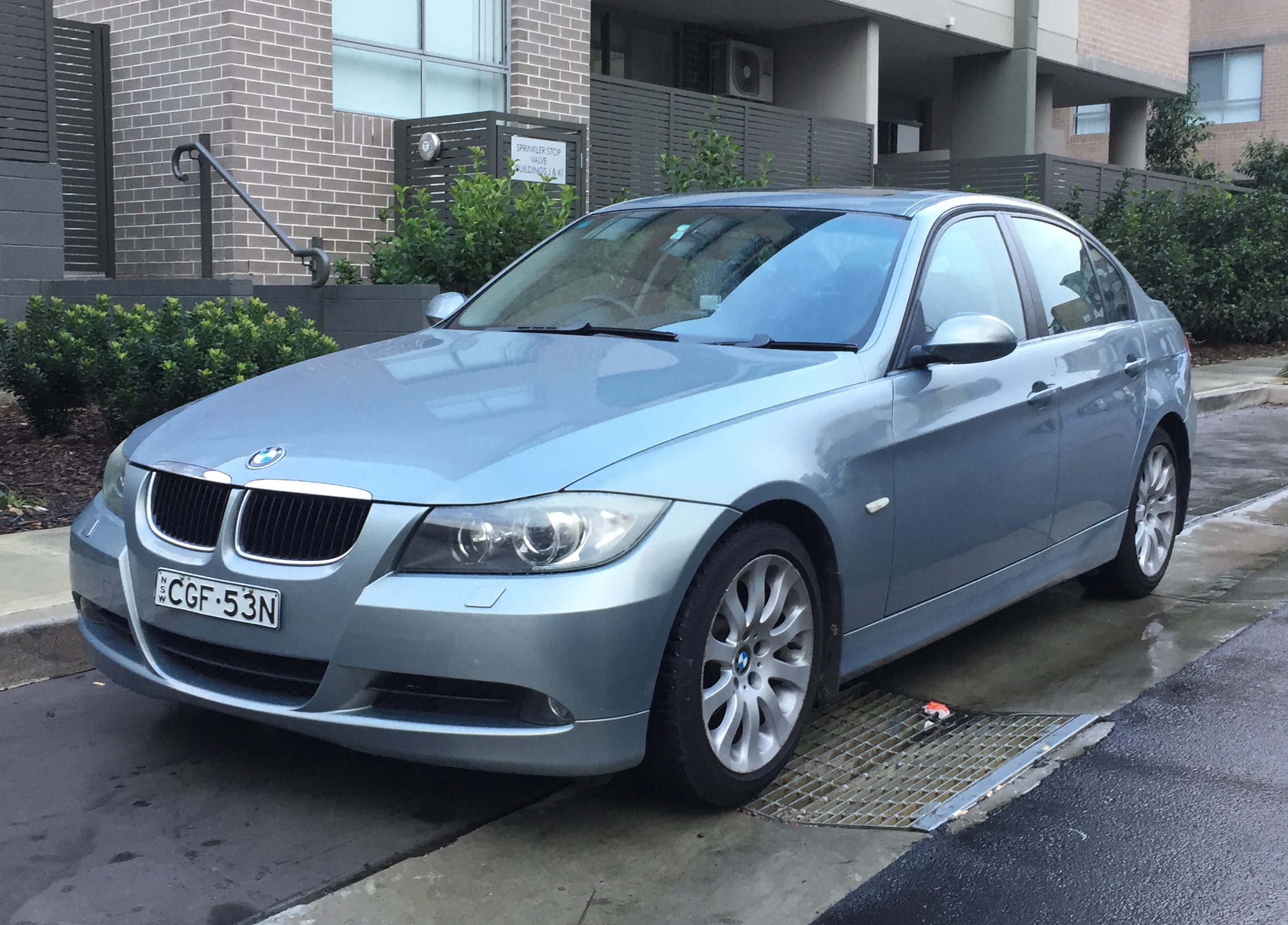 Picture of Raidah's 2007 BMW 320i