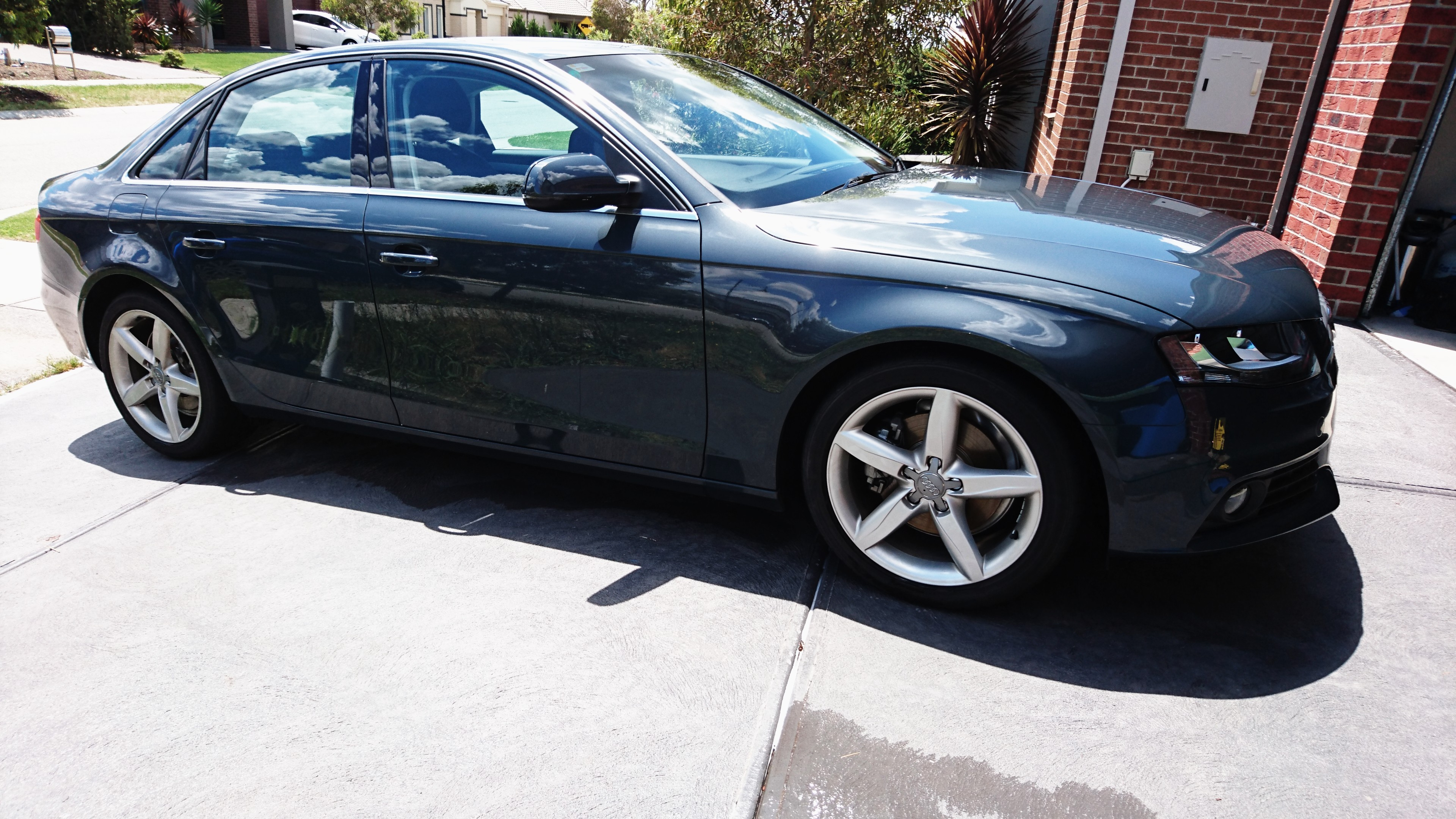 Picture of Ganeshamoorthy's 2011 Audi A4