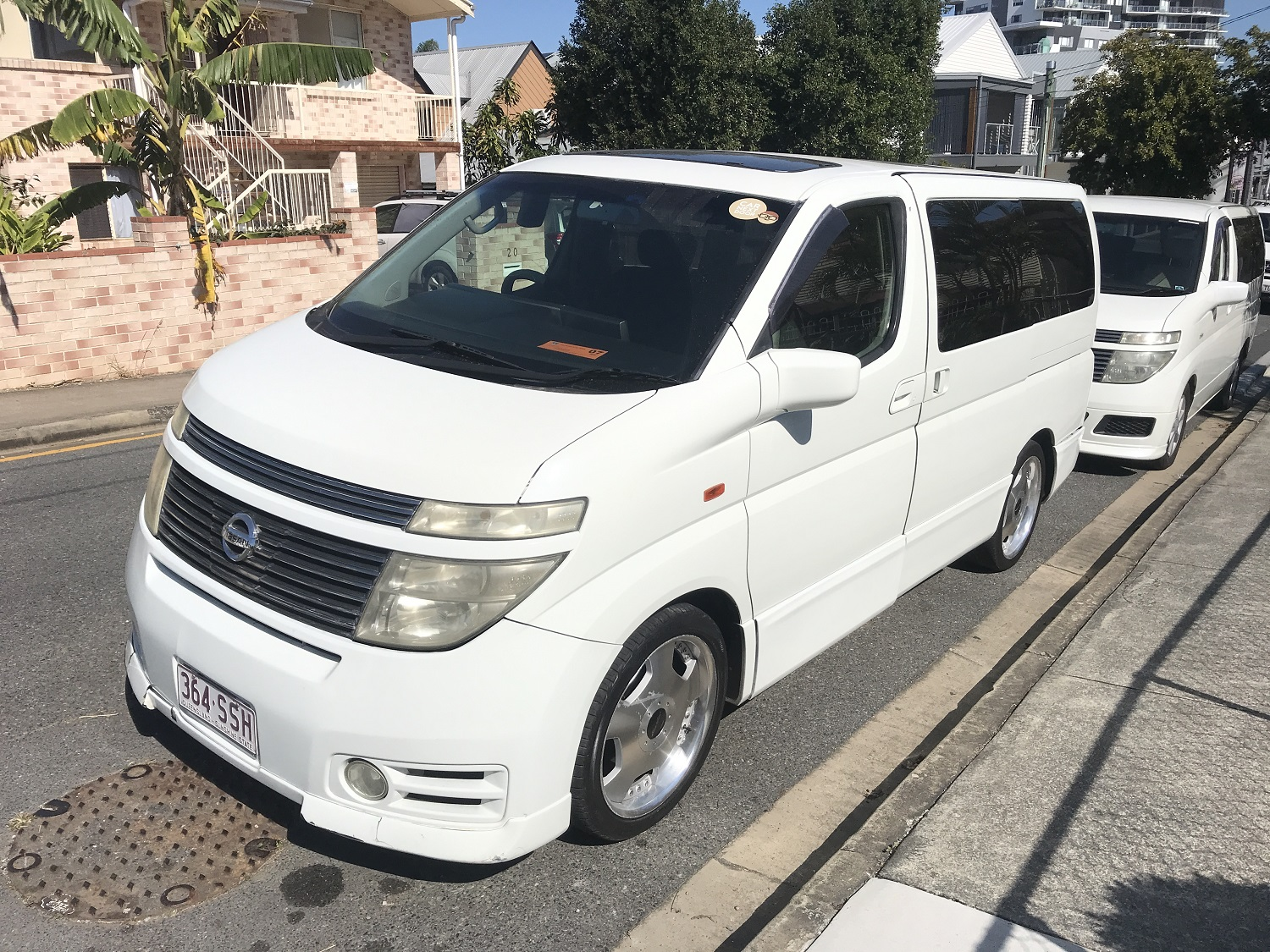 Picture of Andrew's 2003 Nissan Elgrand